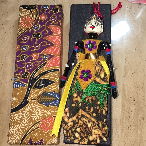 Ethnic ornament with dual face
